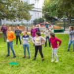 Dzieci bawiące się w Ogrodzie Ogniska Grochów