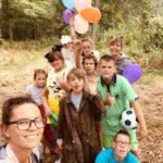 Zdjęcie grupowe, dzieci na wycieczce